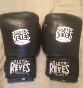 Боксёрские перчатки Cleto Reyes 10oz