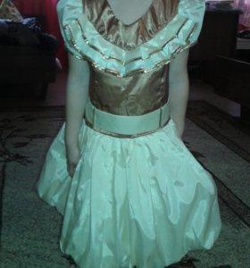 Платье нарядное на 4-5лет