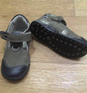 Туфли детские новые