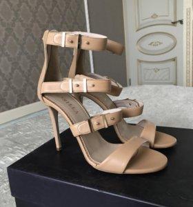 Новые босоножки Le Silla