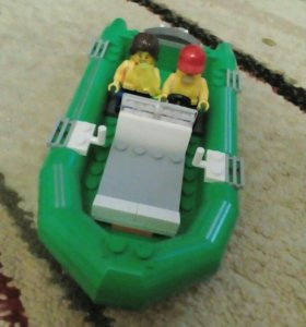 Лодка лего с лего человечками