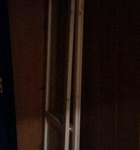 Две балконные деревянные двери со стеклом