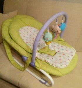 Шезлонг-качалка для малышей Happy Baby nesty
