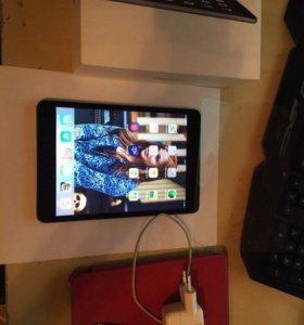 iPad mini retina 32 gb темно серый LTE
