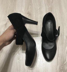 Туфли из натуральной кожи б/у