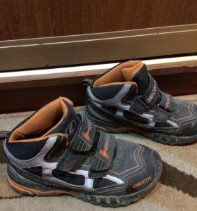 Ботинки GEOX размер 33