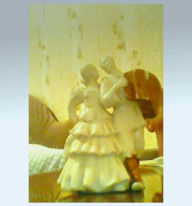 Ретро статуэтка из фарфора калекционная