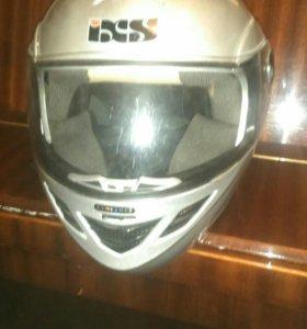Отличный мотоциклетный шлем.