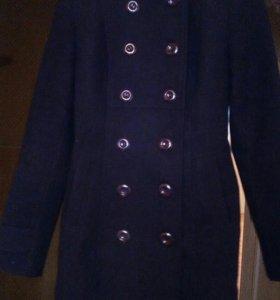 Срочно Продам демисизоное пальто