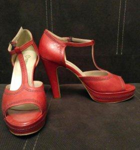 Туфли с открытым носиком. Р.39