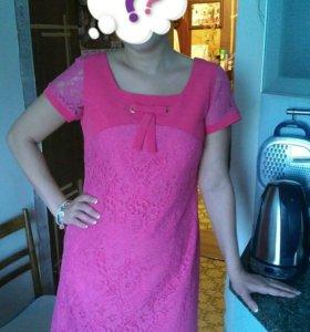 Платье розовое (фуксия) гипюровое