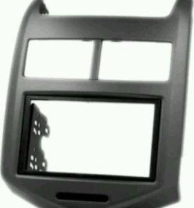 Рамка 2 дин на Авео Т300