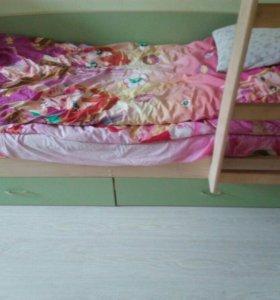 Детская двух ярусная кровать с встроенным шкафом