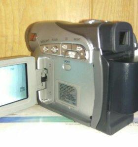 miniDV видеокамера JVC