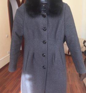 Пальто со съемным воротником из меха кролика