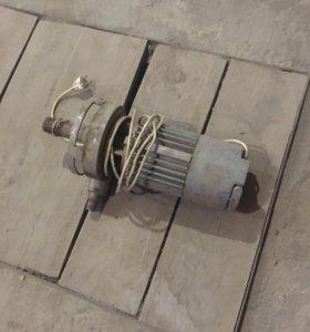 Мотор для воды рабочий