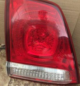Стоп-сигнал вставка, фонарь левый Toyota LC200