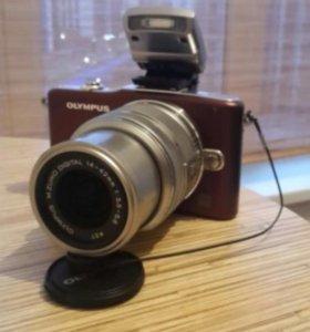 Системная камера Olympus PEN Mini (E-PM1)