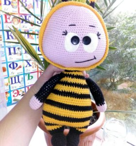 Боня в костюме пчёлки