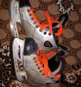 Хоккейные коньки COM 2.0 externo-Skel.