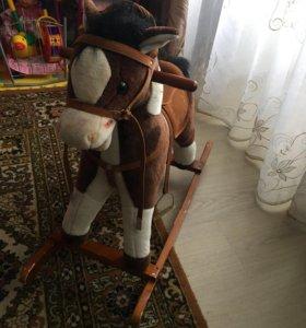 Лошадка каталка