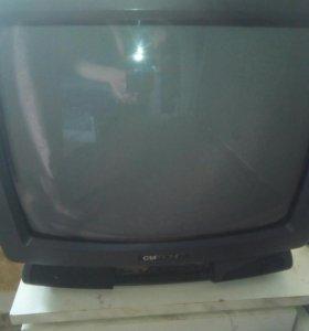 Продаю телевизор рабочий