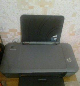 Принтер струйный Deskjet 1000 почти новый
