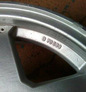 Литые диски R15.