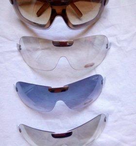 Очки солнцезащитные (в комплекте).