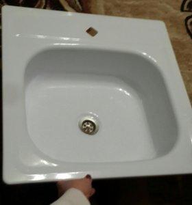 Раковина эмалированная на кухню новая!