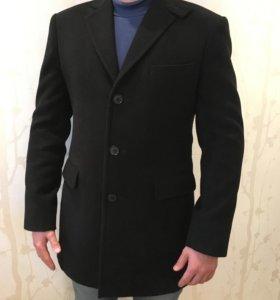 Пальто мужское. Кашемир. Дизайн Hugo boss