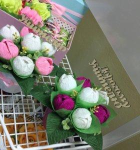 Подарок , сладкий букет , цветы и конфеты