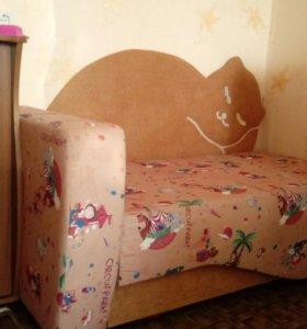 Детский НОВЫЙ диванчик