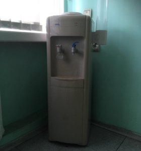 Кулер для воды напольный