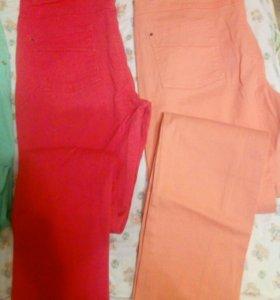 Джинсовые цветные брюки