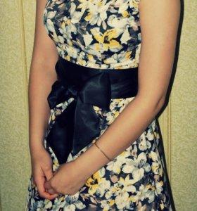 Продам платье в отличном состоянии.