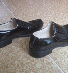 Туфли кожаные лакированые новые