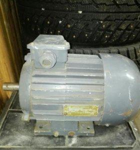 Электро двигатель асинхронный 380вольт1.5кв 3фазы