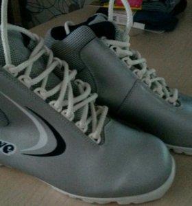 Лыжные ботинки, 38 р-р.
