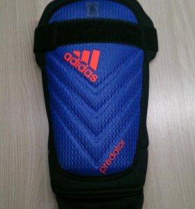Щитки Adidas predator с поддержкой стопы