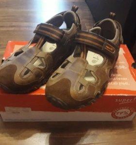 Новые сандалии суперфит 33размер
