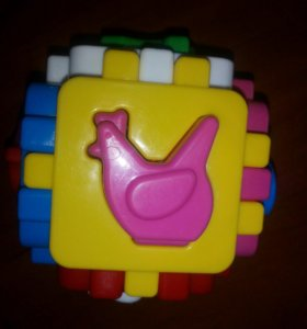 Развивающий кубик сортер