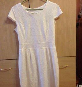 Платье новое 44 размер