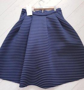 Стильная новая юбка из неопрена Laredouete