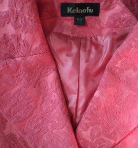 Пиджак с юбкой 50 размер.