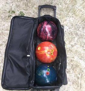 Шары и сумка для боулинга