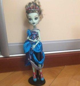 Куклы Монстер Хай. Френки Штейн и Лорна МакНесси