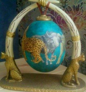 Яйцо африканского страуса