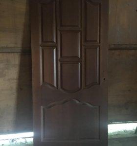Новая дверь деревянная