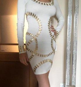 Платье в стиле Versace